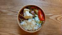 野菜炒め弁当とむぎちゃん - オヤコベントウ