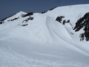 巻機山 新雪と大展望に誘われ牛ヶ岳まで  2021.5.4(火) - 心のまま、足の向くまま・・・