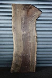 クラロウォルナットClaro walnut一枚板 - SOLiD「無垢材セレクトカタログ」/ 材木店・製材所 新発田屋(シバタヤ)