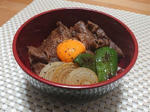 しゃぶしゃぶ用の牛肉でささっと♪ 月見牛丼 - candy&sarry&・・・2