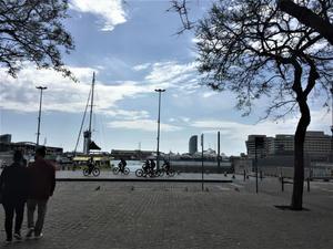 バルセロナ港で - gyuのバルセロナ便り  Letter from Barcelona