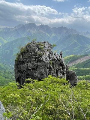 """昔むかし、ある日のこと、ヌンチャク回収後、二子山西岳 - ヘビークライマー""""きん""""のクライミング日記"""