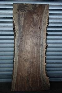クラロウォルナットClaro walnut一枚板A❸ - SOLiD「無垢材セレクトカタログ」/ 材木店・製材所 新発田屋(シバタヤ)