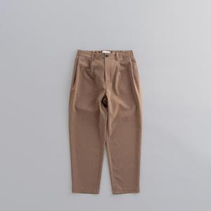 STILL BY HAND 2-Tuck Tapered Pants (Beige) - un.regard.moderne