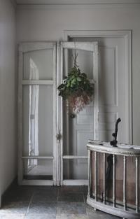 フレンチアンティーク 窓枠 アーチ型 縦197㎝ 白 錠付き 錠が可動します フランス - clair de lune