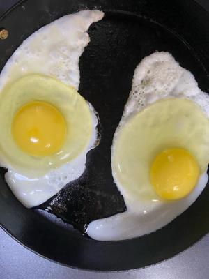 九重の寺床の卵です。 - やすひウィメンズヘルスクリニック