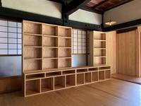 西川材の壁面収納(杉材) - woodworks 季の木  日々を愉しむ無垢の家具と小物
