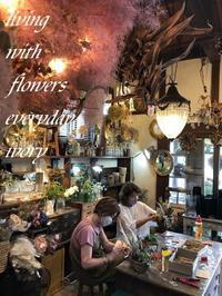 先日のプライベート花教室から〜♬ -  Flower and cafe 花空間 ivory (アイボリー)