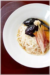 真夏日に素麺 - Less is more