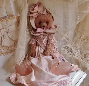 パリの蚤の市から*作家さんの可愛らしいクマちゃんとピンクの白鳥 - BLEU CURACAO FRANCE