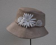 白い花飾りの帽子 - ローザのアトリエ便り