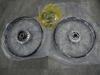 C125のスポークホイル - バイクの横輪