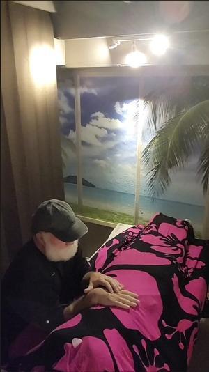 ローズクォーツを使ったドライロミロミ - Nature Care Hawaii