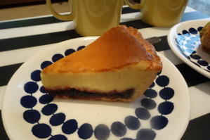 DEAN&DELUCAのピスタチオスコーンとチーズケーキ -