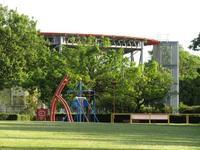 公園に、空守る羅針盤。 - タビノイロドリ