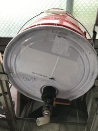 ペール缶からの小分けはラクにやりましょ〔STRAIGHT:ペール缶ポンプ〕 - わやにすな
