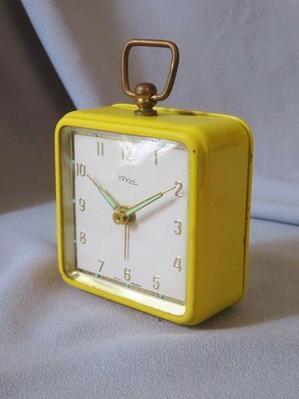 オスカー社のゼンマイ式目覚まし時計 - 友くんのパリ蚤の市散歩