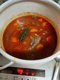 ビーフチューを仕込む - 牡蠣を煮ていた午後