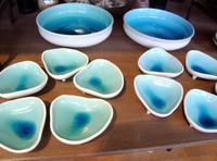 さわやか青の新作とアジサイ - のぼり窯 窯元の日々