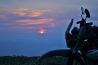 函岳からの夕日 - だって そこに道があるから