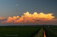 月と夏雲 - デジタルで見ていた風景