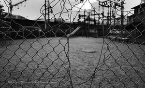 散歩写真「暑さで誰もいない公園」:葛城市磐城 -