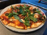 ピザとブルーベリーマフィン(粉もの連続) - Hokkaido's Table