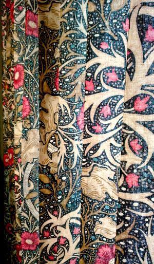 『モリス』のカーテン『シーウィード(海藻)』を納めました by interior styling of bright - 「モリス」と「インテリア」が大好きな作家とコーディネーターの日記