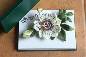 展示販売用作品~作品番号10 トケイソウ~ - フェルタート(R)・オフフープ(R)立体刺繍作家PieniSieniのブログ