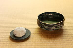 お抹茶と豆大福と、うぐいす色のまんまる模様 - キラキラのある日々
