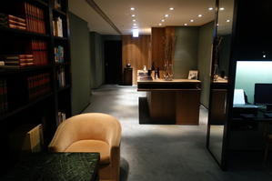 夏の「パークハイアット東京」 (5) ビジネスセンター、ルームサービスの朝食 - 「くう・ねる・あそぶ」のホテル備忘録