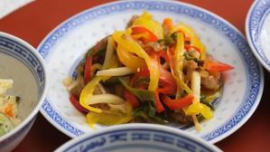 3色青椒肉絲 - 登志子のキッチン