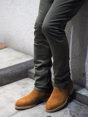 ■ 【nonnative】 new arrival. - END OF THE TRAIL