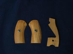 HWS ナガンリボルバー用木製グリップ - 上野アメ横 モデルガンショップ Take Five(テイクファイブ)ブログ