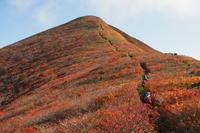 朝日連峰縦走 その1 針生平から泡滝へ2021/10/9〜11 - douでっか 山でっか