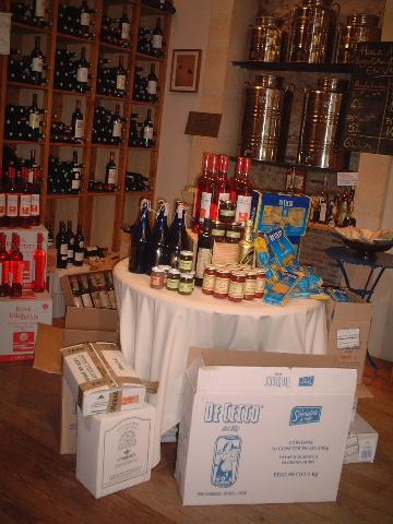 隣のワイン屋さん_a0014299_0283.jpg