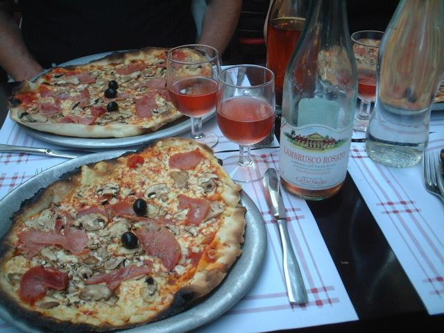 ■ピザPizza Rue des Remparts (Bordeaux)_a0014299_18354757.jpg