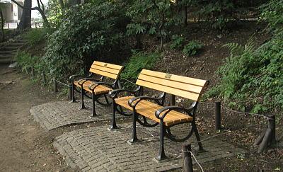 井の頭公園 ベンチ 画像