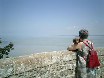 モン・サン・ミッシェルの、海と犬とおばさん。_b0001864_3142946.jpg