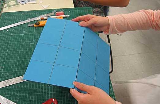 つぎに立方体万華鏡cumosを作ります。_a0026507_0232655.jpg