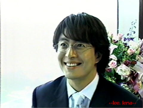 今朝は ペ・ヨンジュン氏のCMで Tvはもちきりでしたね。_b0002366_14494914.jpg