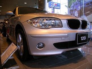[遅ればせながら...]BMW 1シリーズ・日本デビュー!_a0009562_2212948.jpg