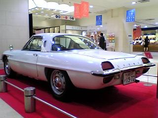 広島生まれの同い年・かっこいい車達_a0033733_23394974.jpg