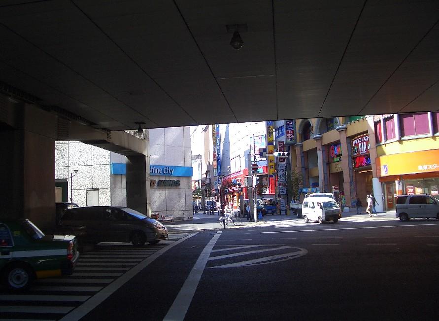 (東京よたよた歩き3)池袋へのお散歩_b0018885_1173254.jpg