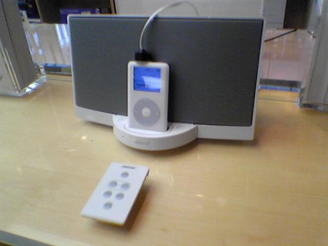 これまた欲しいものが増えた!!BOSE SoundDockを見てきたよ。_b0029315_18191271.jpg