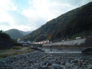 【秋+山=紅葉】 箱根での1コマ_b0000480_0134796.jpg