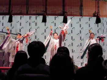 2004年1月1日(木)銀座4丁目&山王神社_b0069507_1621299.jpg