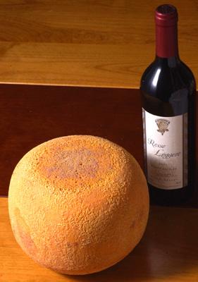 3.2キロのミモレットチーズ_a0003650_2222188.jpg