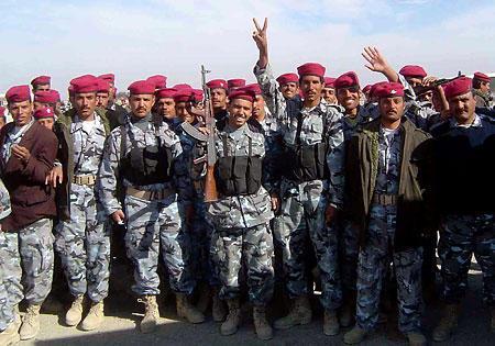 イラク派遣・警察即応部隊、実戦配備へ
