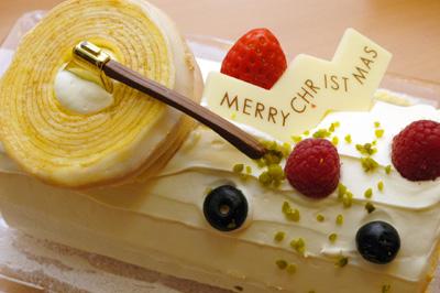 ユーハイムのクリスマスケーキ_a0003650_035740.jpg